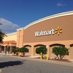 Photo taken at Walmart Supercenter by Chris T. on 10/13/2013