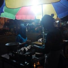 Photo taken at Pasar Kranggan by Yunan S. on 4/9/2015