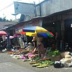 Photo taken at Pasar Kranggan by Yunan S. on 9/23/2015