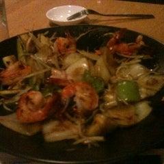 Photo taken at Sushi Zushi by Diana G on 9/16/2012