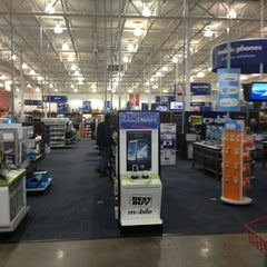 Photo taken at Best Buy by Douglas S. on 12/31/2012