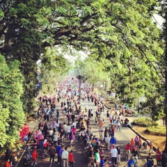 Photo taken at Jalan Ir. H. Djuanda by Ouval Research • RSCH on 12/26/2012