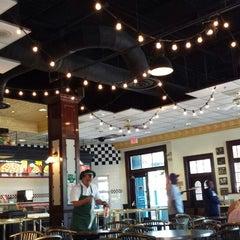 Photo taken at Louie's Italian Restaurant by Inaliel M. on 5/14/2013
