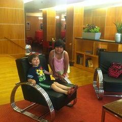 Photo taken at Metro Points Hotel Washington North by Carola on 5/26/2013