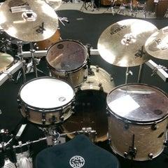 Photo taken at Guitar Center by Lenny Z. on 8/8/2014