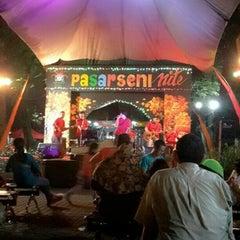 Photo taken at Pasar Seni Ancol by danny r. on 4/18/2015