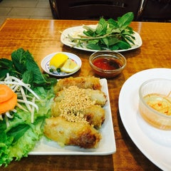 Photo taken at Pho Dong-Huong by Julia J. on 2/26/2015