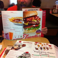 Photo taken at Friendly's by Victoria R. on 10/19/2013