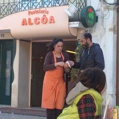 Photo taken at Pastelaria Alcôa by priscila on 4/28/2013
