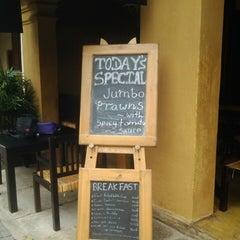 Photo taken at Pedlars Inn Cafe by Iresha U. on 5/25/2013