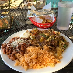 Photo taken at Taqueria la Familia by Benjamin on 11/8/2014
