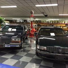 Photo taken at Tallahassee Antique Car Museum by Beatriz on 12/28/2014