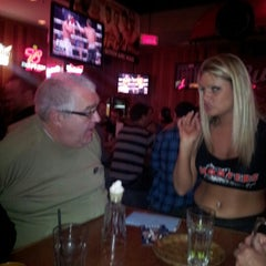 Photo taken at Hooters by Flavio J. M. on 11/4/2012