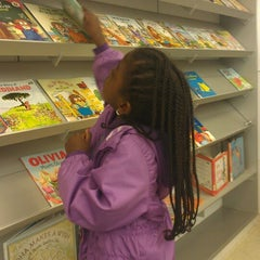Photo taken at Queens Central Library by Wyonnie F. on 4/19/2013