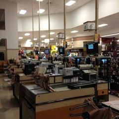 Photo taken at Kroger by 4⃣Leonidas™ on 11/2/2012