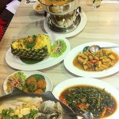 Photo taken at Restaurant Soi Thai by Yedda NYY on 9/30/2012