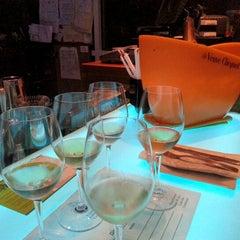 Photo taken at Di Vino Wine & Tapas by Dan V. on 10/6/2012