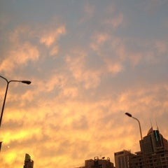 Photo taken at Jing'An by Maria Olivia on 9/14/2012