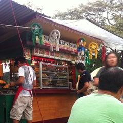 Photo taken at Mang Larry's Isawan by Dickson I. on 12/12/2013
