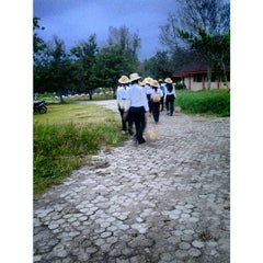 Photo taken at Fakultas Ekonomi Universitas Tadulako by Evi N. on 8/21/2013