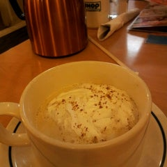 Photo taken at IHOP by Michele S. on 2/11/2013