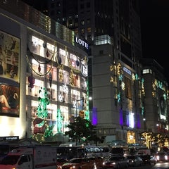 Photo taken at 롯데백화점 (LOTTE Department Store) by William S. on 11/15/2014