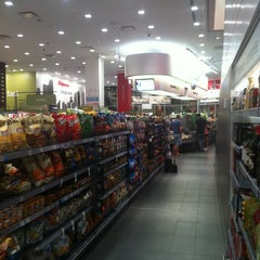 Photo taken at Walgreens by Matty on 7/5/2013