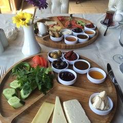 Photo taken at Marina Restaurant Cafe & Bar by Hayriye Sevilay E. on 5/12/2015