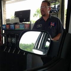 Photo taken at Valvoline Instant Oil Change by Yvette B. on 8/24/2013