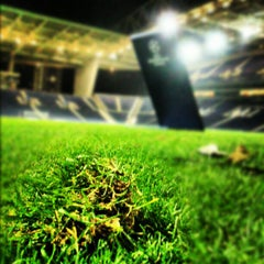Photo taken at Estádio do Dragão by Sérginho M. on 10/3/2012