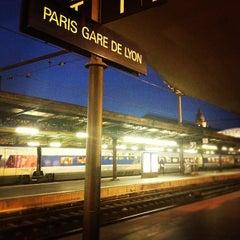 Photo taken at Gare SNCF de Paris Lyon by L'actu d. on 10/17/2012