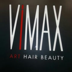 Photo taken at Vimax Art Hair Beauty by Italo S. on 10/13/2012