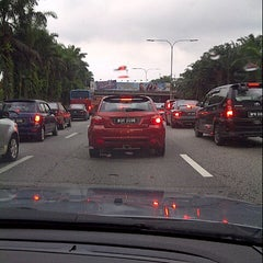 Photo taken at Lebuhraya Persekutuan (Federal Highway) by Farihan W. on 11/28/2012