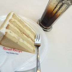 Photo taken at Secret Recipe by Shafiqah.Shafie on 9/3/2014