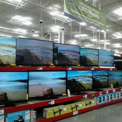 Photo taken at Sam's Club by Go Girl Taxicab on 3/23/2013