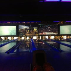 Photo taken at 10Pin Bowling Lounge by Michael P. on 9/2/2013