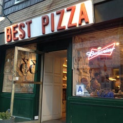 Photo taken at Best Pizza by Gerard G. on 4/27/2013