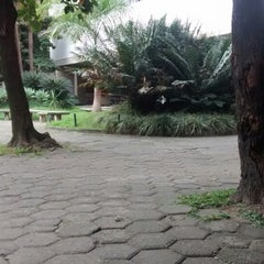 Photo taken at Universidade Moacyr Sreder Bastos (UniMsb) by kesya a. on 7/8/2014