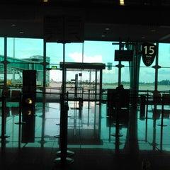 Photo taken at Aeroporto Francisco Sá Carneiro (OPO) by Rui Pedro S. on 6/7/2013