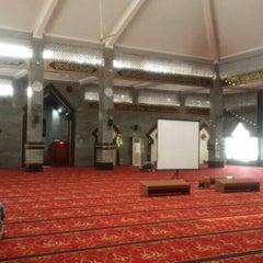 Photo taken at Masjid Raya Al-Musyawarah by abdul s. on 10/12/2015