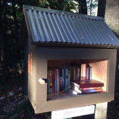Photo taken at Balsam Circle Little Free Library, Spider Lake by Steven H. on 10/12/2013
