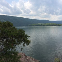 Photo taken at Raystown Lake by Adrian on 5/17/2015