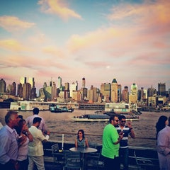 Photo taken at Spirit of New York by Nawaf A. on 9/9/2014