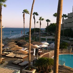 Photo taken at Le Méridien Eilat by Arnon G. on 7/2/2014
