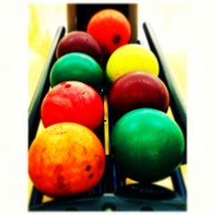 Photo taken at Spincity Bowling Alley by Evalia H. on 5/25/2013