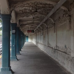 Photo taken at MTA Subway - 20th Ave (N) by QQ W. on 9/29/2012