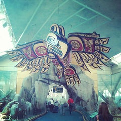 Photo taken at Vancouver International Airport (YVR) by Tatsuhiko M. on 7/18/2013