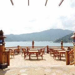 Photo taken at Santhiya Resort And Spa Koh Phangan by TAWAAN on 1/28/2015