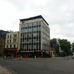 Photo taken at Tune Hotels Westminster by nasarudin a. on 6/9/2013