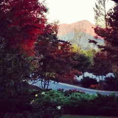 Photo taken at The Waynesville Inn Golf Resort & Spa by Mary H. on 10/17/2014